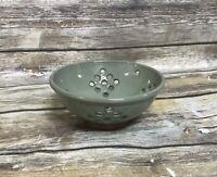 """Vintage Pottery 6 1/2""""  Colander Green"""