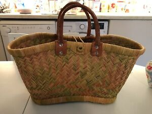 Vintage Shopping or Picnic Basket With Handle