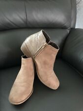 Ladies Atmosphere Boots Size 6