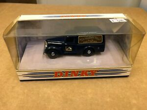 "MATCHBOX DINKY DY-8B 948 Commer 8 cwt Van ""His Masters Voice"""
