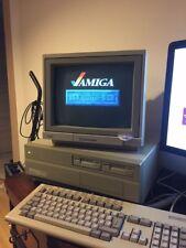 Commodore Amiga 2000 + Commodore 1084 monitor + tastiera e mouse