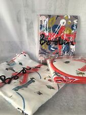 Boden Kitchen Apron Gloves And Tea Towels Set London Winter Print Imported New