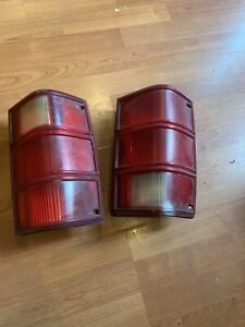 1986-92 Jeep Comanche Taillight Pair