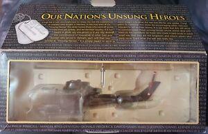 Corgi Unsung Heroes Vietnam Series II AH-1G Cobra Helicopter Gambler Gun US51203
