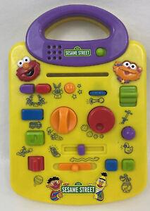 Sesame Street Elmo and Zoe Giggle Sound Station Toy Mattel 2000