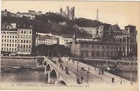 69 - cpa - LYON - Le pont Tilsitt - Cathédrale St Jean et le coteau de Fourvière