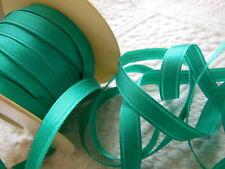 ruban vintage en satin vert / bleu  5 mètres sur 0,8 cm creation couture bijoux