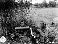 Photo. WW1. American Fighting from Hedge - greese & machine guns