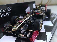 Voitures Formule 1 miniatures noirs en lotus