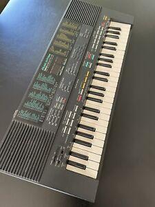 Yamaha Portasound PSS-480 Electronic Keyboard/Piano/Synthesizer