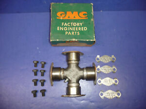 NOS GM 1955-59 GMC 1500 Series Truck U-Joint Kit Bearing Plate Type