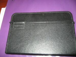 Kindle Lighted Leather Cover, Black (Fits Kindle Keyboard 3 3G, model D0090) VGC