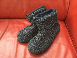 Mens slipper boots size 8 Brand New