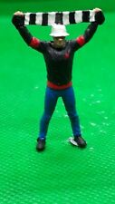 O Gauge1.43 finescale resin Handpainted Figure football supporter with scarf