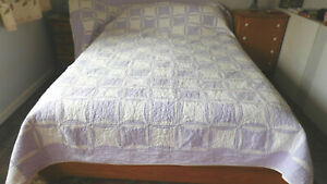 PROVENCE HEIRLOOM QUILT PURPLE & WHITE-HUGE AT 96X102 TIGHTLY QUILTED-COTTON