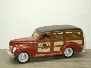 1940 Ford Woody Station Wagon - ERTL 1:43 *52342