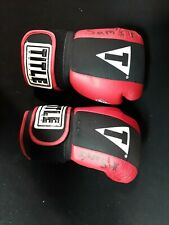 Title Boxing Red & Black Size Large Gel Lining Boxing Gloves Kickboxing