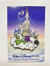2008 New Disney Metal Pin Kermit Frog Miss Piggy on clouds Wdw Walt Disney World