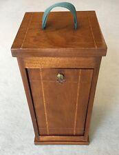 Nussbaum-Kasten für Mikroskope, um 1920