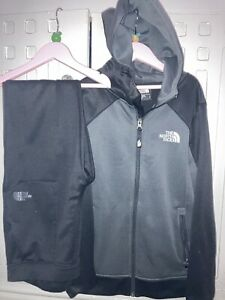boys north face Tracksuit Size Large Excellent