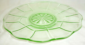 VINTAGE GREEN DEPRESSION URANIUM GLASS SERVING PLATE - 25.5cm dia - vg condition