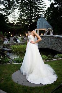 Casablanca Ivory Ball Gown Wedding Dress Size 0