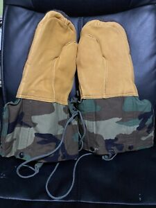 US. Military Woodland Camouflage Arctic Mittens with Liners LARGE