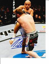 UFC STAR THIAGO ALVES SIGNED KNEE TO CHEST 8X10