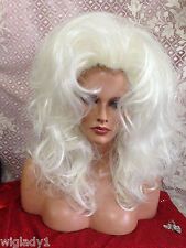 VEGAS HAND ROOTED FRONT PLATINUM COLOR  NATURAL SAYS THIS WIG TOTALLY