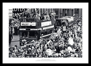 Aston Villa 1981 League Champions Open Top Bus Team Photo Memorabilia (905)