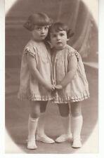 Carte photo d'enfants petites filles adorables année 1930