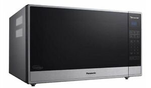 Panasonic 2.2CuFt Family Countertop Microwave Oven Cyclonic Inverter NN-SN97HS