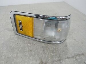 90-94 Lincoln Town Car Front Right Passenger Corner Marker Light Turn Signal 915