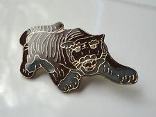 ZP93 Crouching TIGER  Lapel pin badge BIG Cat Ferocious