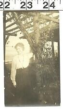 VINTAGE OLD B&W 1919 PHOTO OF PRETTY WOMAN IN HER GARDEN #3065