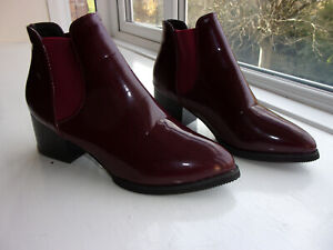 GORGEOUS ***NEW*** $$$CUTIE$$$ Burgundy =SHINY= PATENT LEATHER ANKLE BOOTIE 5.5