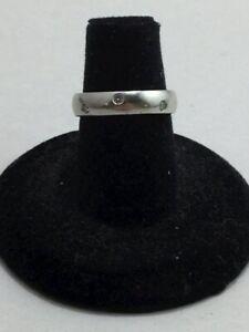 950 Platinum and diamond band 6.8 grams sz 4 3/4