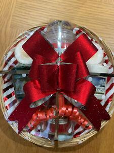 Yankee Candle Mini Christmas Gift Set - 3 Votives + Cinnamon Spice Jar - Red