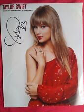 Taylor Swift Autograph Signed 8 x 10 Photo AUTHENTIC