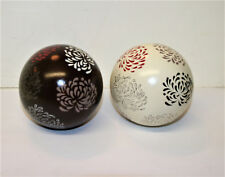 Vntage Set Of 2 Pottery Carpet Bowling Bowls Decorated with Flower Design 3.2in