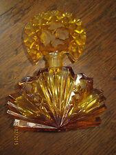 Flacon en cristal( Baccarat?Bohême?autre?) bouchon décor de roses en intaille