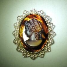 """Vintage Glass Cameo Gold Tone Pendant/Brooch/Pin 2 1/8"""""""