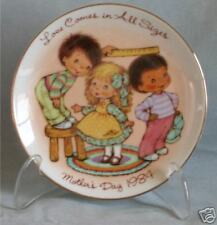 Vintage Avon Mothers Day Plate 1984 4th in Series