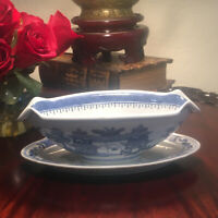 """Antique Blue Willow 1800s-Early1900s Gravy Boat & Under Plate Dish 9""""x 6"""""""