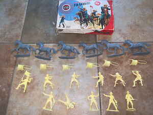 VINTAGE AIRFIX : 7th CAVALRY / 1:32 Scale / US /  BOXED  1975