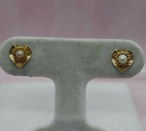 14K Yellow Gold Hearts with Pearls Earrings 1.2g
