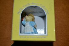 "New In Box Muffy Vanderbear Collection ""A Day In The Country"" Figurine 1994 Bear"
