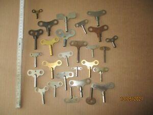 Antike Uhren Schlüssel  27 Stück  für Tisch und Wanduhren.