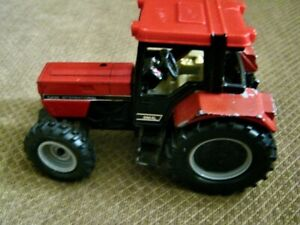 Case International 1/64 Scale 956XL Wide Front End Tractor
