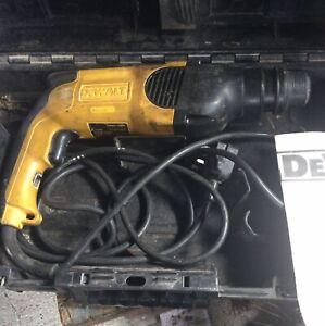 Dewalt D25102 Rotary Hammer SDS drill